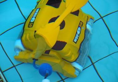 Ρομποτική επαγγελματική σκούπα πισίνας Maytronics Dolphin Wave 50